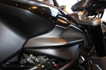 B4 Right panel for airbox in carbon fiber (personal graphics Star.)